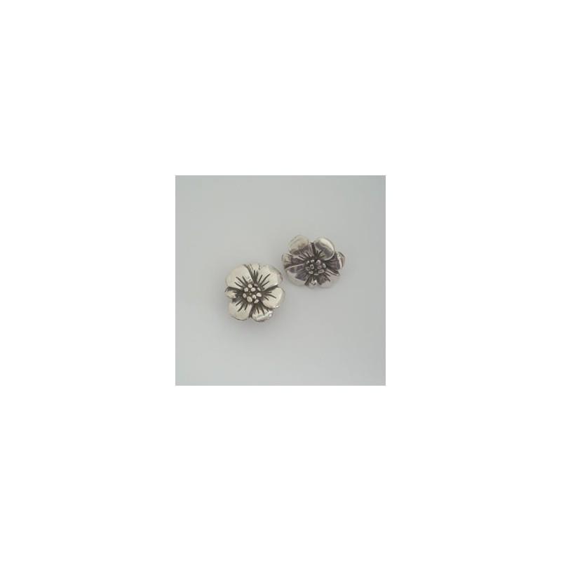 ZM76338-10 / Abalorio Regaliz flor. 4 Unid.