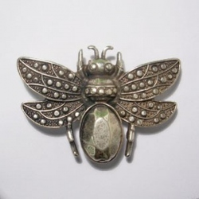 ZM76461-20 / Aplique zamak escarabajo con alas. Unid.