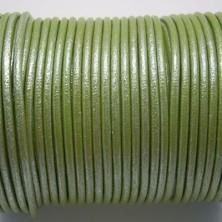 CCR25 / Cordón cuero redondo 2.5mm. Pistacho nacarado. 1 Metro.
