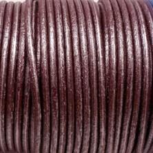 CCR25 / Cordón cuero redondo 2.5mm. Burdeos nacarado. 1 Metro.