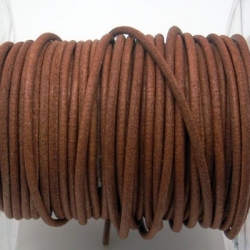 CCR25 / Ligt brown leather cord 2,5mm. 1 m.