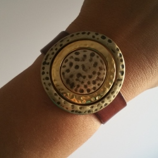 Pulsera anillas concéntricas zamak dorado