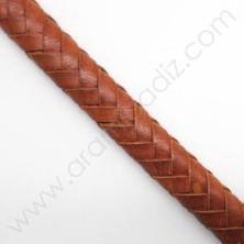 22710 / Cuero regaliz negro. 20 cm.
